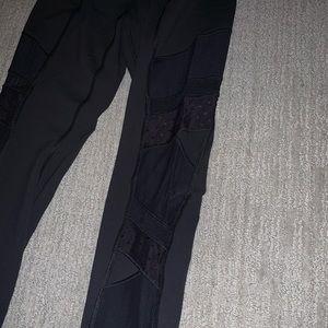 """28"""" lace/mash side Lululemon leggings"""